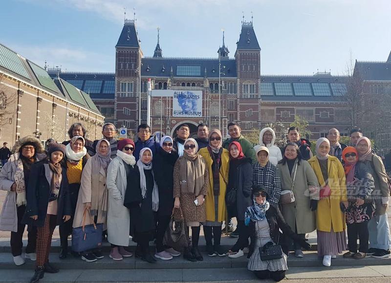 Peserta Wisata Muslim Tour Eropa Barat