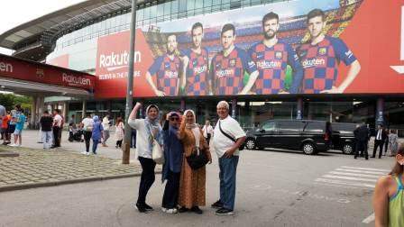 wisata camp nou barcelona spanyol
